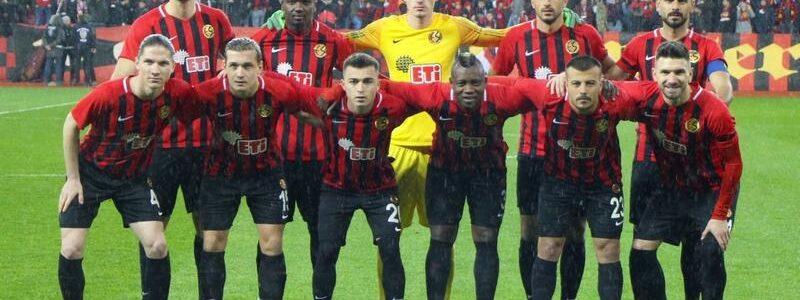 Karagümrükspor Eskişehirspor Maçının Muhtemel 11'leri
